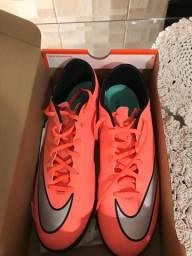 Chuteira Nike 43