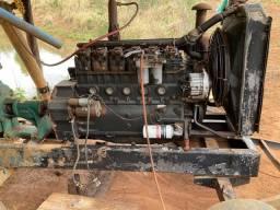 Motor com bomba thebe