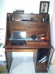 escrivaninha/ mesa de computador