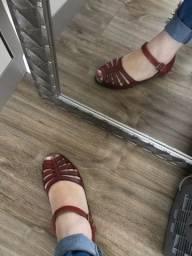 Sandália de couro legítimo vermelha