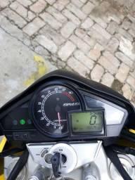 Honda CB 300R, com 15.000km