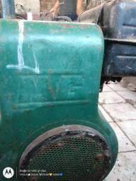 Motor estacionário Montgomery antigo