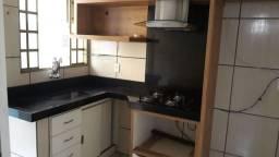 Apartamento de 2/4 com 1 suíte com armários no Jardim Novo Petropolis