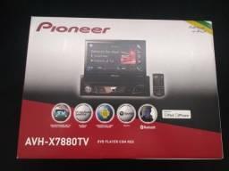 Dvd automotivo retrátil Pioneer