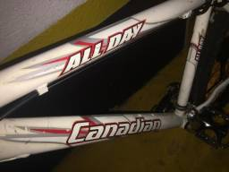 Vendo ou troco Moutain Bike Canadian por Speed