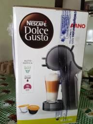 Vendo ou troco Cafeteira Nescafé Dolce Gusto mini Me com todos acessórios e NF