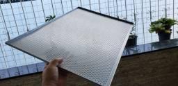 28 bandejas 60x40cm de alumínio perfuradas completamente novas!