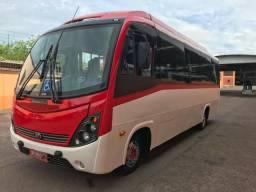 Micro ônibus 2013 916 Mercedes 25 lugares ar condicionado de teto 125 mil