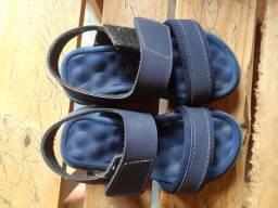 Vendo esses calçados 20 reais cada um