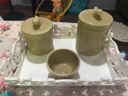 Farmacinha de porcelana