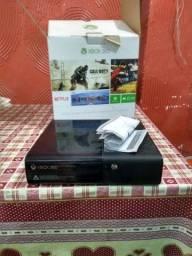 Xbox 360 super slim na Caixa