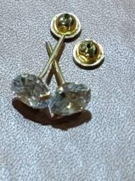 Brinco em Ouro 18k com pedra zircônia 5mm