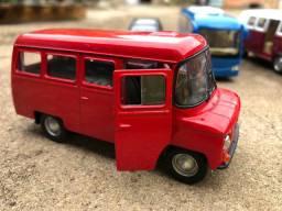 Vendo Miniatura Micro Ônibus Nysa 522