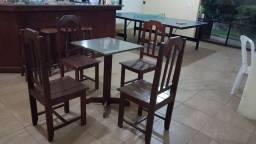 10 conjuntos de mesa com 4 cadeiras valor unitário R$596,00