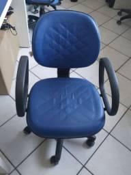 Cadeira para escritório costurada
