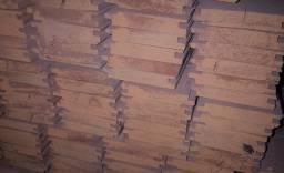 Paredes / Assoalhos de madeira - Aberturas Canelense