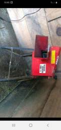 Vendo picadeira triturador 700 reais