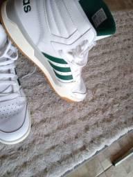 Tênis Adidas original Tam 43