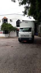 Volksvagem 15.180 baú Sider estudo troca em caminhão truck ou bitruck