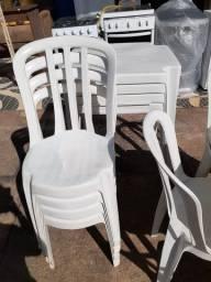 Jogos de Mesas e Cadeiras de Plástico