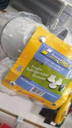 Pé para Geladeira e Fogão de Plástico Branco 4 Peças Braslider