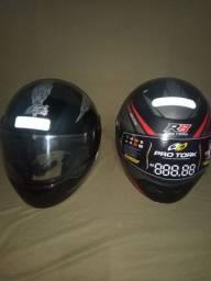 Vendo dois capacetes um é R$60 outro é R$50