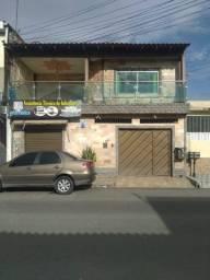 Vendo casa com ponto comercial no bairro Nova cidade
