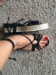 Sandália linda com amarração
