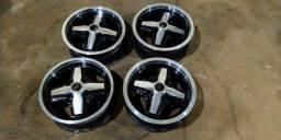 Vendo 3  Rodas Cruz de Malta de 4 furos aro 14 Fusca e Brasília. Quarta roda é de brinde.