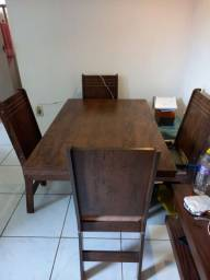 Mesa de 4 cadeiras seminova