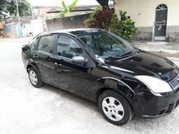 Fiesta sedan 1.0 completo / avista negocia o preço / bonito /21.000
