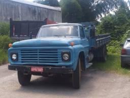 Caminhão Ford F-600