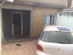 Alugo casa em comendador Soares independente
