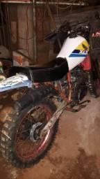 Moto xlx 250 leilão troco por celular vai com colete e capacete - 1990