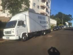 Caminhão baú retornando da cidade de Piedade SP nessa sexta 16/10