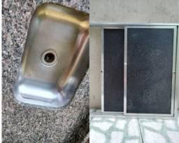 Vendo pia de granito 58x120 + Porta pia alumínio 90x97 Grátis soleira. Praia de Mauá