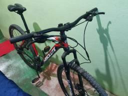 Bicicleta Seminova excelente estado hidráulica