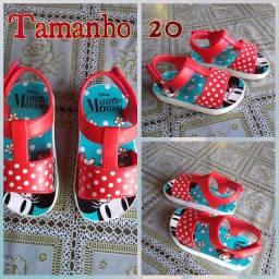 Sandália Minnie tamanho 20