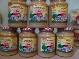 Vendo Foundant com leite/ Bolachas ( Delícias de Minas )