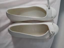 Crocs branca tamanho 36