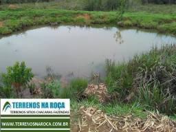 Terreno em Desterro de Entre Rios/MG. Bom de topografia, com água corrente e lagoa