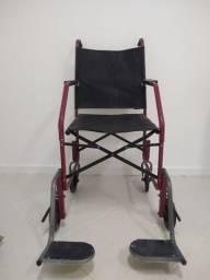 Cadeira de rodas dobrável usada