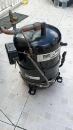 COMPRESSOR HITACHI 5TR 220v 60hz