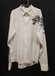 Camisa branca, com desenho de dragão - G.