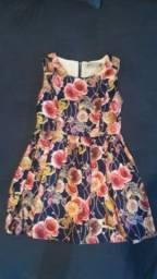 Vestido estilo boneca em cetim de seda florido