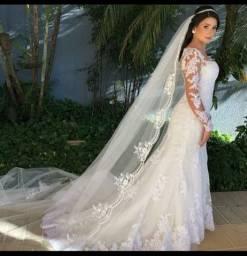 Vestido de noiva de renda, semi sereia com cauda da Luluza Ateliê