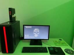 PC Gamer com monitor acer.