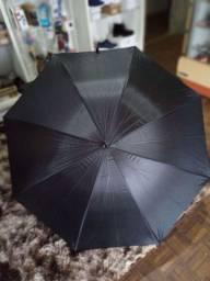 Guarda-chuva gigante de ótima qualidade...