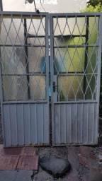 Porta metal com vidro martelado