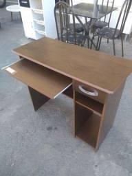 Mesa para computador nova direto da loja Arte móveis